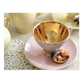 Köstliche Rosa-und Goldkaffeetasse-Postkarte Postkarte