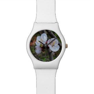 Köstliche weiße Frühlings-Blüten, Damen-weiße Uhr