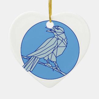 Krähe, die Seitenkreis-Monolinie schauend hockt Keramik Herz-Ornament
