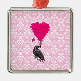 Krähe und Herz auf rosa Damast Silbernes Ornament