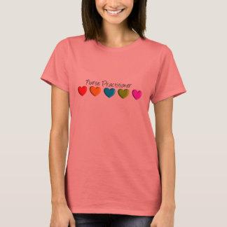 Krankenschwester-Praktiker-bunte Herzen T-Shirt