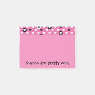 Krankenschwestern sind hübsche coole Herzen Post-it Klebezettel