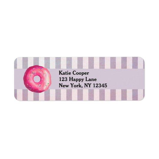 Krapfen mit rosa Zuckergusse und besprüht