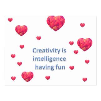 Kreativität ist die Intelligenz, die Spaß hat Postkarte