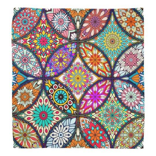 Kreis-Kunstmuster des BlumenMandalases kreatives Halstuch