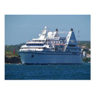 Kreuzfahrt-Schiff, das Mahon verlässt Postkarte