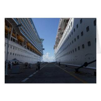 Kreuzfahrt-Schiffs-angekoppeltes Foto und Karte