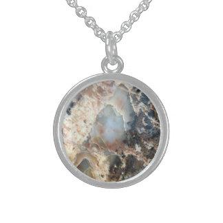 Kristallisierte hölzerne Halskette