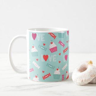 Kuchen-Herz-Liebe-Muster des Valentines Tages Tasse
