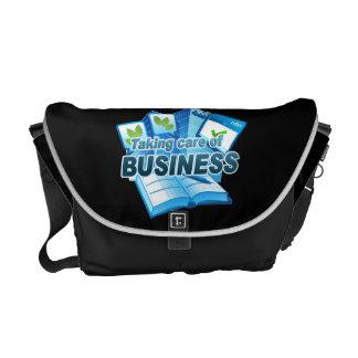 Kümmern von  um Geschäfts-dunkler Bote-Tasche Kuriertaschen