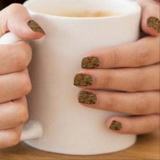 Kundenspezifische Nagelkunst durch bronzy Federn