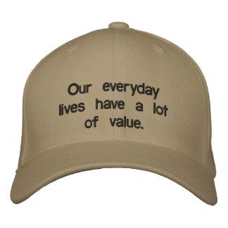 Kundenspezifisches Baseballmütze-Sprichwort unsere Bestickte Kappe