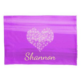 Kundenspezifisches lila Herz mit glänzenden Kissenbezug