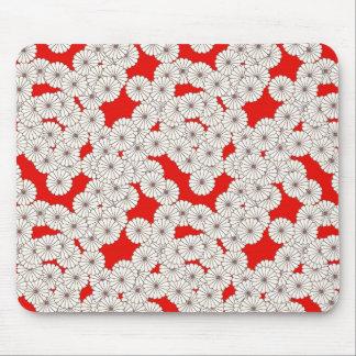 Kunst-Deko-Blumenmuster - Creme auf Rot Mauspad