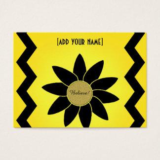 Künstlerisches schwarzes Gänseblümchen auf Gelb Visitenkarte