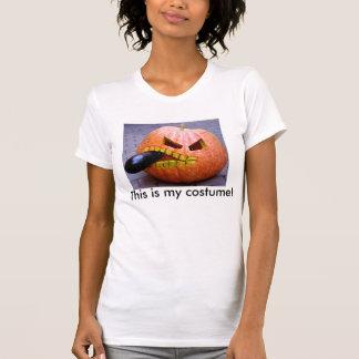 Kürbis mit dem Shirt der Auberginen-Frauen