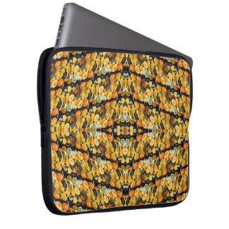 Kürbise, Kürbis und Kürbisse - abstrakt Laptop Sleeve