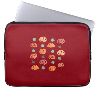 """Kürbise mit Blätter-Laptop-Hülse 13"""" Laptop Sleeve"""