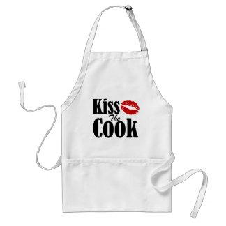 Küssen Sie die Schürze des Koch-|