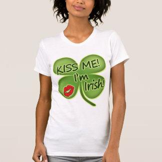 Küssen Sie mich, den ich irisch bin T-Shirt