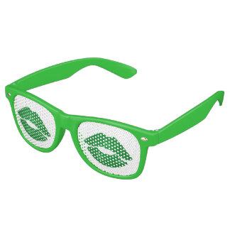Küssen Sie mich, den ich irischen Spaß-Grün-St Retro Sonnenbrillen