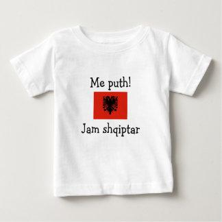 Küssen Sie mich! Ich bin albanisch (Junge) Baby T-shirt