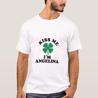 Küssen Sie mich, Im ANGELINA T-Shirt