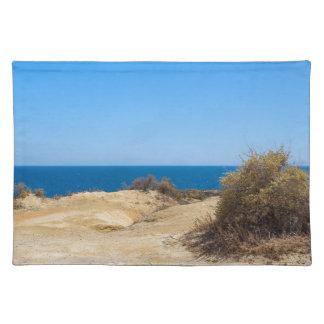 Küste mit blauem Meer und sky.JPG Tischset