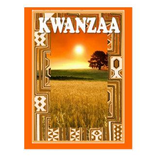Kwanzaa - Sonnenuntergang und Getreidefelder Postkarte
