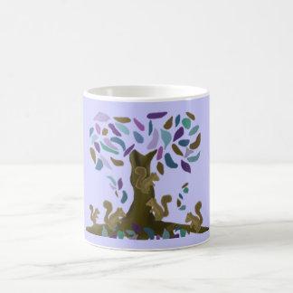 La cabane dans un arbre de l'écureuil mug blanc