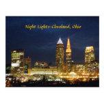 La nuit allume la carte postale de Cleveland Ohio