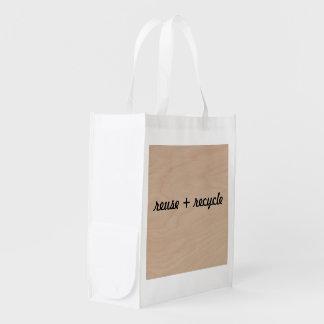 la réutilisation de sac à provisions réutilisent sacs d'épicerie
