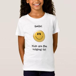 Lächeln! Kinder sind das ursprüngliche Fernsehen! T-Shirt