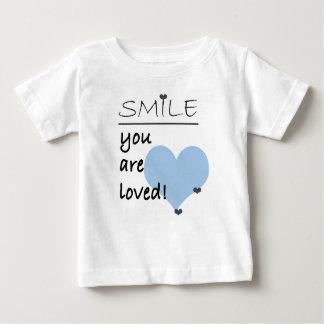 Lächeln werden Sie geliebt Baby T-shirt