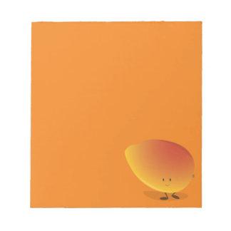Lächelnder Mango-Charakter Notizblock