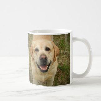 Lächelndes Labrador retriever Kaffeetasse