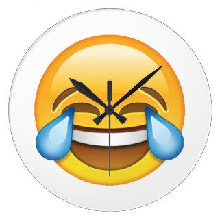 Lachende schreiende Risse von Freude emoji Große Wanduhr