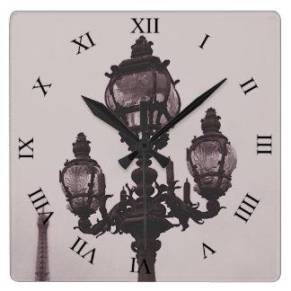 Lampen-Posten auf Pont Alexandre III Brücken-Uhr Quadratische Wanduhr