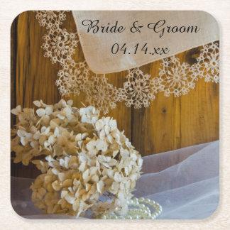 Land-Spitze-und Blumen-Scheunen-Hochzeit Kartonuntersetzer Quadrat