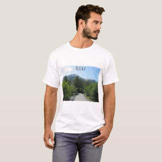 Landschaftlicher Natur-Weg Alaskas T-Shirt