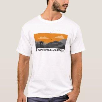 Landschaftsfotograf und Kamera mit Weitsicht T-Shirt