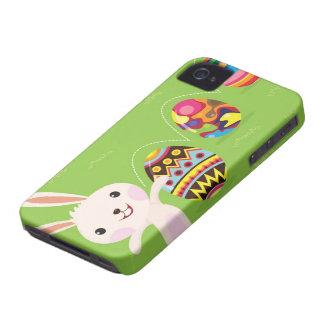 Lapin de Pâques espiègle avec les oeufs peints Coque Case-Mate iPhone 4
