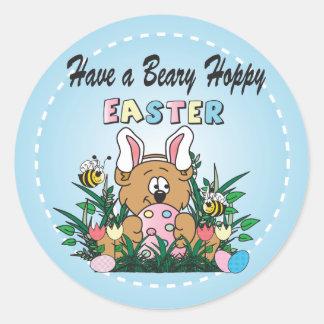 Lapin heureux d'ours de Pâques Sticker Rond