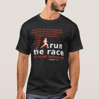 Lassen Sie den dunkel-farbigen T - Shirt des