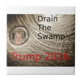 Lassen Sie den Sumpf Trumpf-Clinton politischen Kleine Quadratische Fliese