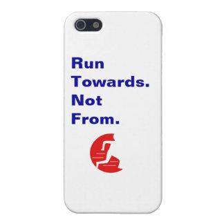 Laufen Sie in Richtung zu nicht vom Logo und vom S iPhone 5 Hülle