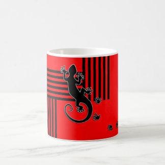 Laufender Gecko - schwarz u. rote Streifen Tasse