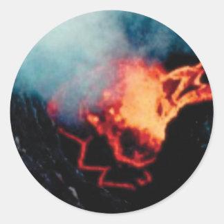 Lavafälle der Hitze Runder Aufkleber