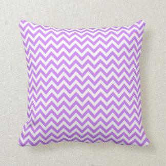 Lavendel-lila weiße Zickzack Kissen