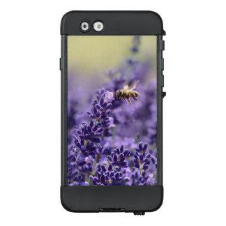 Lavendel-und Honig-Biene LifeProof NÜÜD iPhone 6 Hülle
